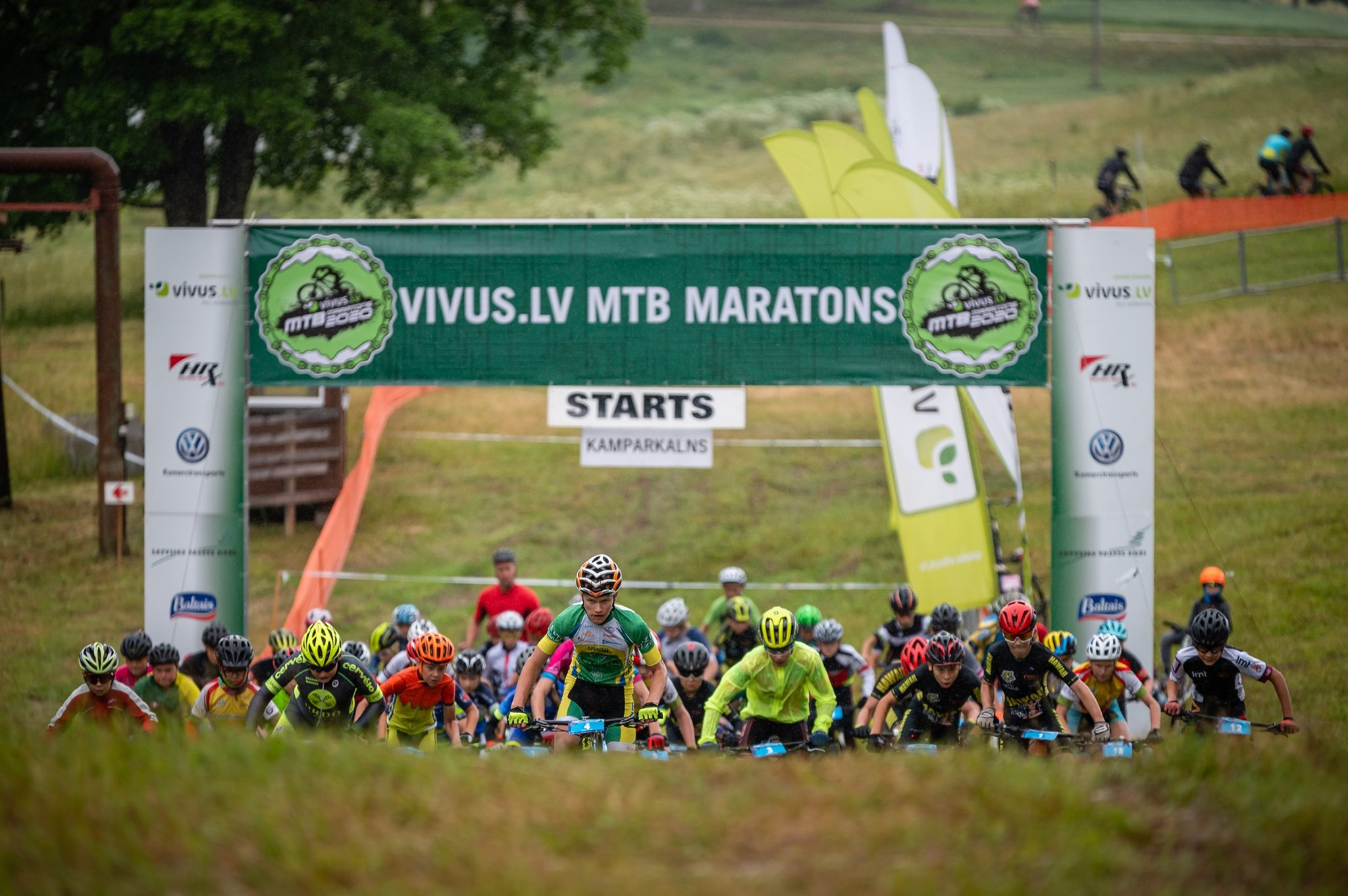 """Šonedēļ Kamparkalnā norisināsies  """"Vivus.lv MTB Maratons 2021"""" sacensību pirmie 2 posmi."""