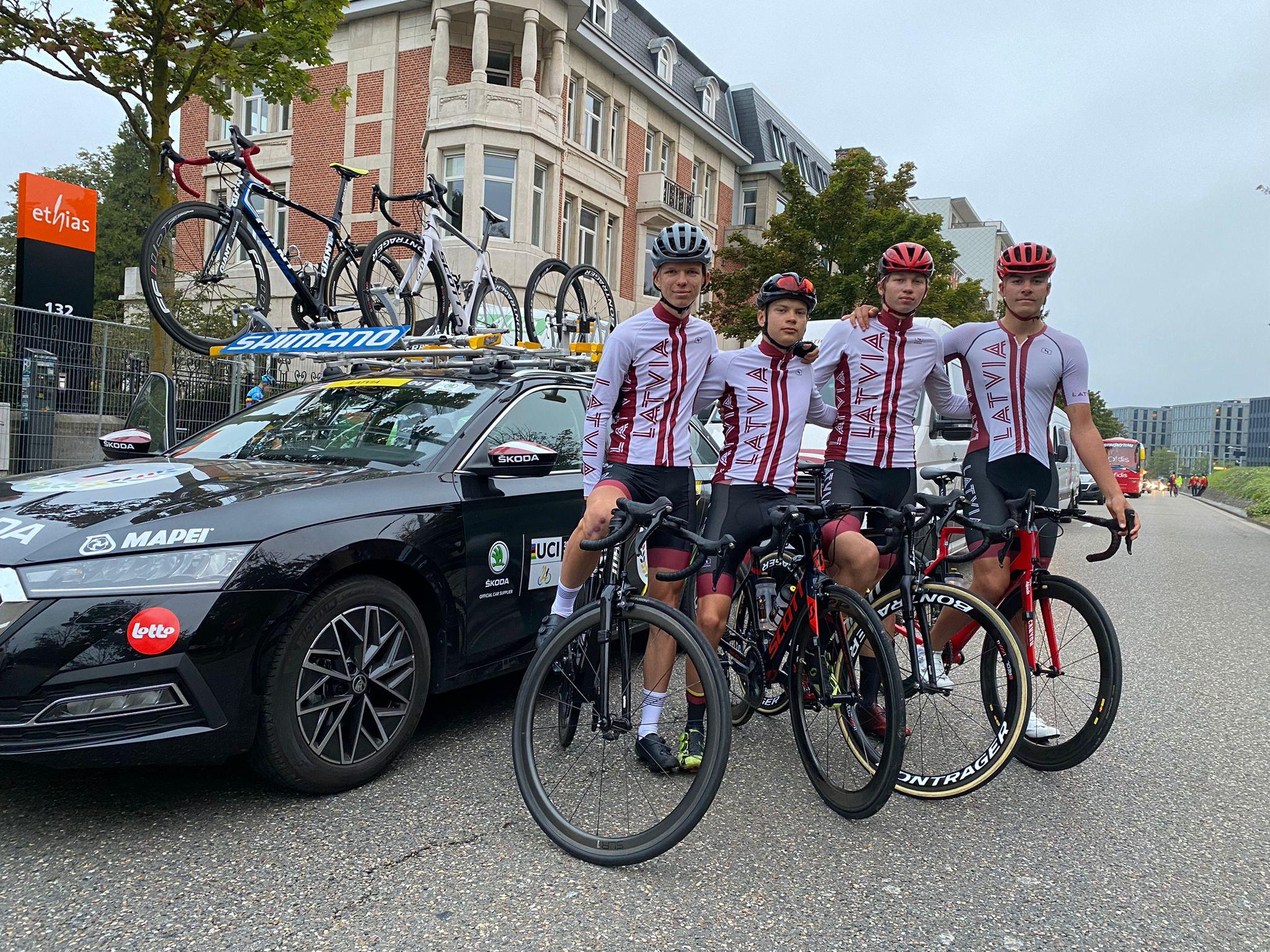 Klismets un Kokle sasniedz finišu pasaules čempionātā grupas braucienā junioriem