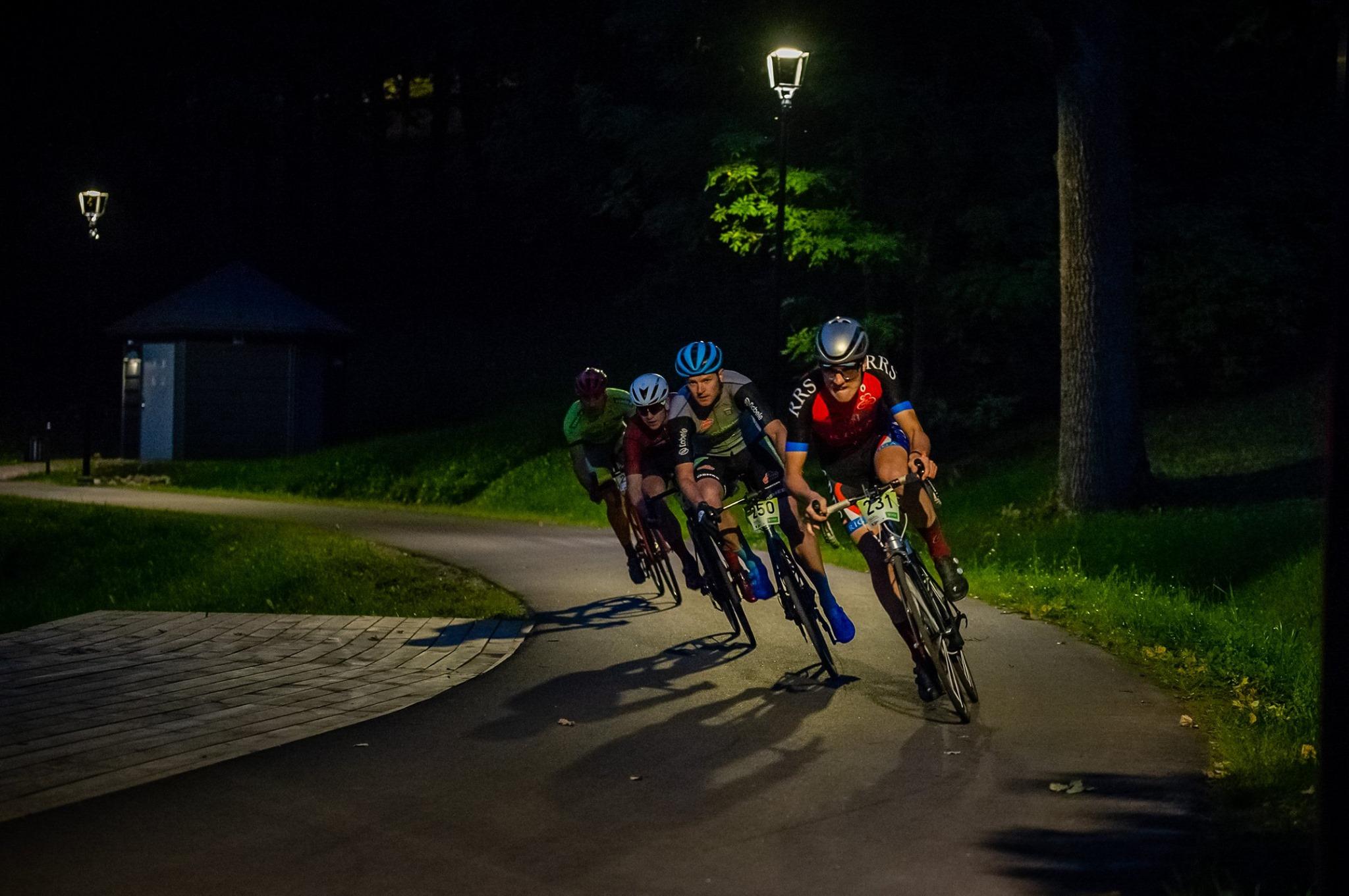 """""""Smiltenes kausā riteņbraukšanā"""" notiks Latvijā unikālas nakts sprinta sacensības"""