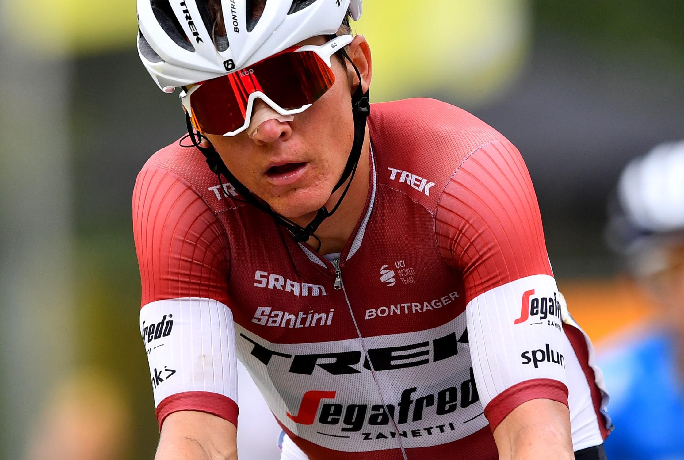 ''Tour de France'' favorīti kritienos zaudē laiku; Skujiņam 45. pozīcija