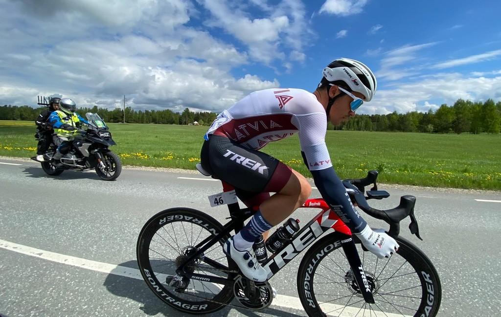"""Liepiņš """"Tour of Estonia"""" pirmajā posmā pēc kritiena finišē astotajā vietā"""